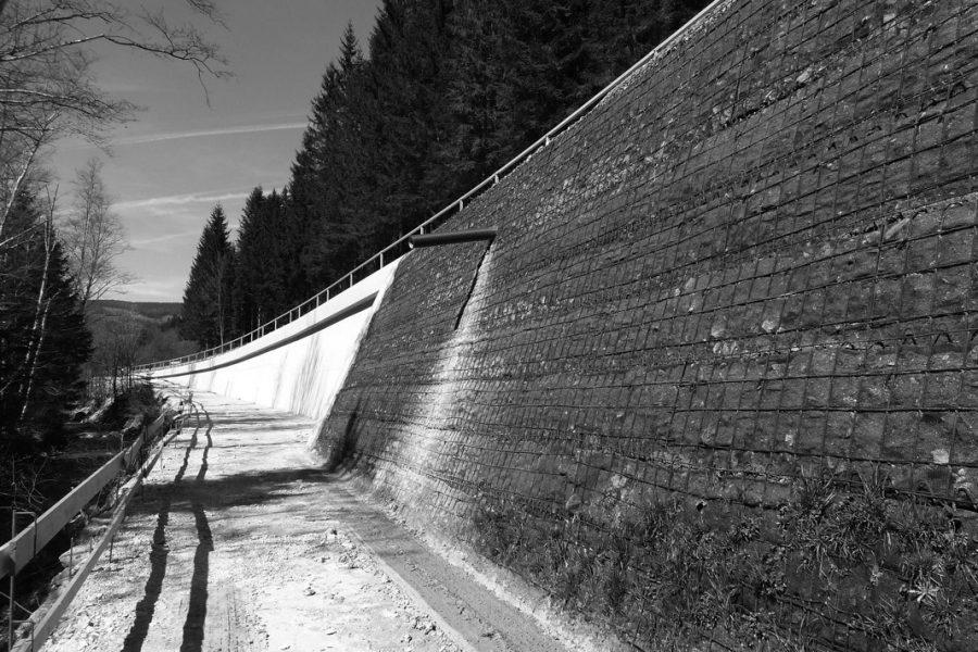 B72  Weizer Straße Stützmauern 3