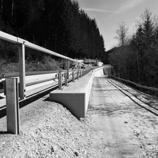B72  Weizer Straße Stützmauern 4