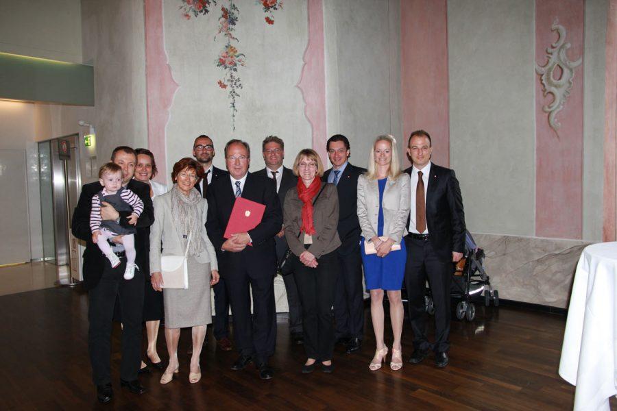 Gruppenfoto bei der Verleihung des Berufstitel Baurat