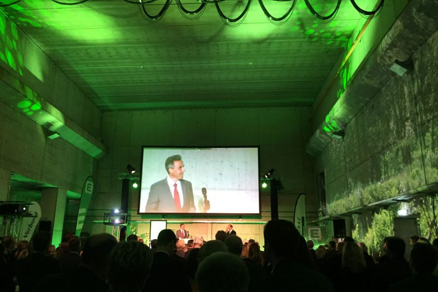 Foto der Ansprache zum Murkraftwerk Graz