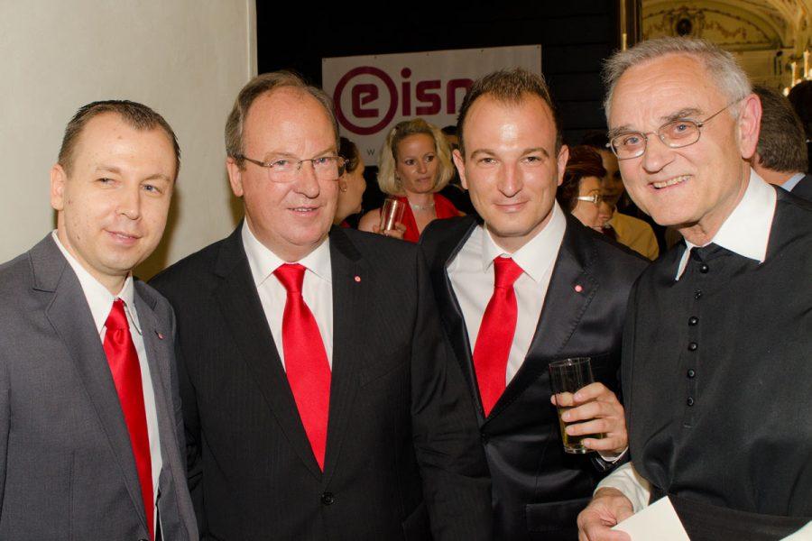 Foto von Herbert, Raimund und Bernhard Eisner bei der 30 Jahr Feier